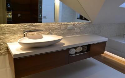 meble łazienkowe pod umywalkę