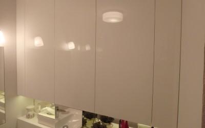 meble łazienkowe w zabudowie